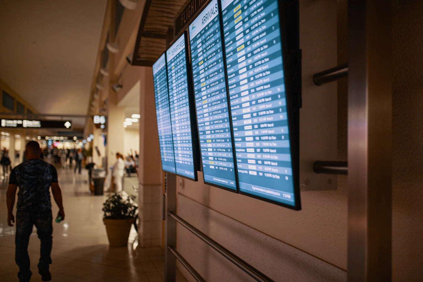 Use Screenly to launch and manage an airport digital signage deployment.