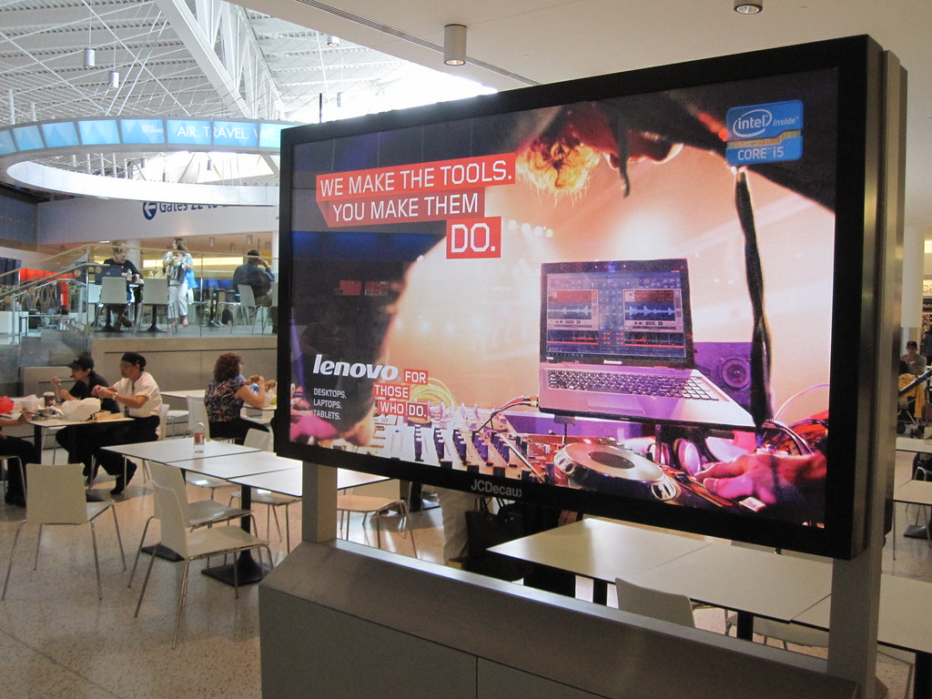 Your guide to VESA mounts and digital signage screens